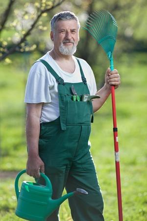 dibble: Portrait of a gardener in a garden