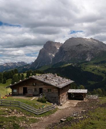 paisajes alpinos de verano hermosa Foto de archivo - 9906909