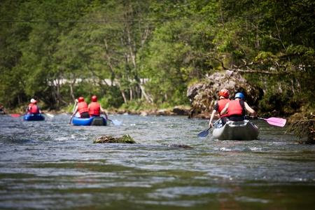 perseverar: rafting en aguas bravas