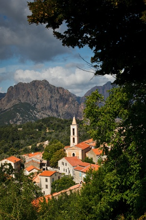 separatist: View of a mountain village in Corsica   village of Evisa