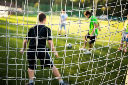 Soccery veld - goed gesneden gras van een voetbalveld Stockfoto
