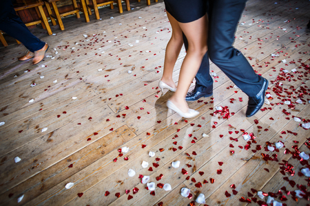 Couple dancing on a dance floor during a wedding celebrationparty (motion blurred image) Standard-Bild