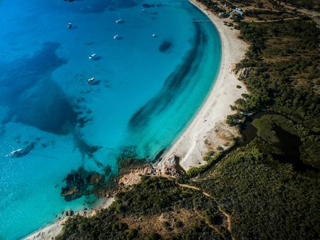 華麗なロンジナラビーチの空中写真, コルシカ島, フランス