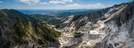 Carrara mountains. quarry - the place where Michealangelo sourced the marble for David,  Massa-Carrara Tuscany Italy - high resolution panoramic image 版權商用圖片
