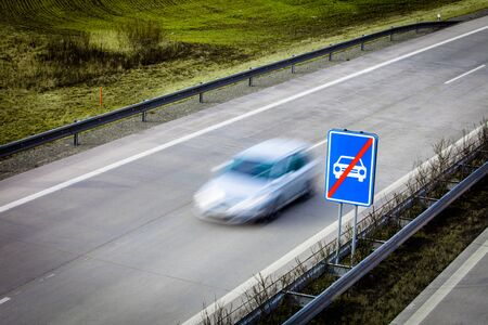 Highway traffic - motion blurred cars on a highway Stockfoto