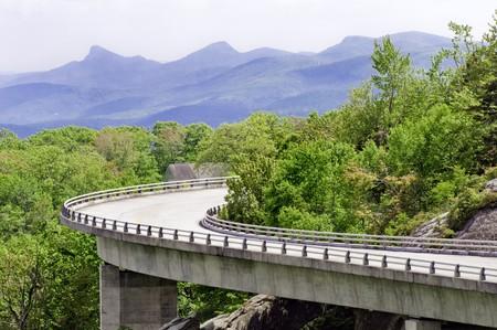 linn: The Linn Cove Viaduct. Part of the Blue Ridge Parkway near Grandfather Mountain, North Carolina. Stock Photo