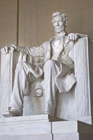 abraham lincoln: Abraham Lincoln Statue at the Lincoln Memorial in Washington DC