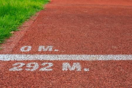 end line: Inicio y fin de ciclo de l�nea roja pista de lanzamiento