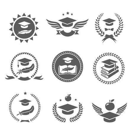 Graduation cap labels in te stellen. College studie, diploma en hoed ontwerp High School en gelukwensen gediplomeerde logo Vector Stock Illustratie