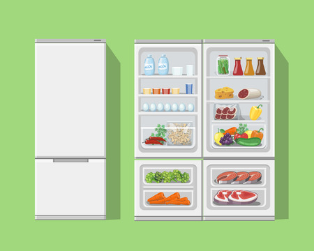 nevera: Refrigerador abierto con food.Fridge abierto y cerrado con los alimentos del refrigerador y fruta, congelador y verduras conjunto