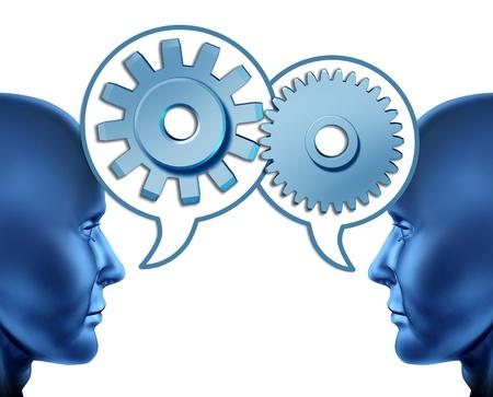 referidos: Negocio de la sociedad y el trabajo en equipo con dos cabezas humanas compartir recomendaciones para aumentar las oportunidades de negocio representado por las dos caras de hablar con las burbujas de palabra con engranajes y dientes como símbolos de la red.