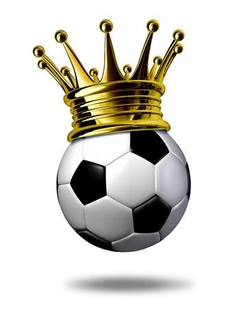 ballon foot: Football champion symbole repr�sent� par une couronne d'or sur un ballon de football noir et blanc ou comme l'a demand� en Europe un ballon de football repr�sentant la conqu�te d'un tournoi ou jeu.