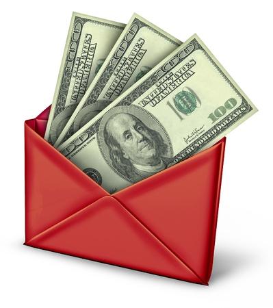 renta: Reembolsos por correo en un sobre blanco con el pago de dinero dentro de reembolso.