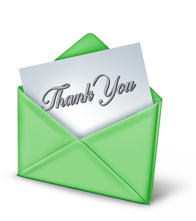 gratitudine: Nota di ringraziamento in una busta verde che rappresenta la gratitudine e grazie per un atto amichevole da familiari e amici di grande tempo utile.