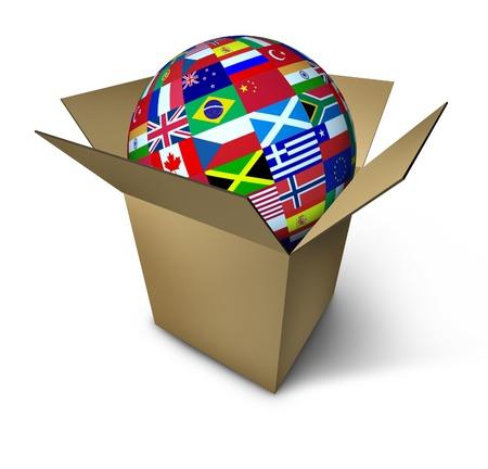 actividad econ�mica: S�mbolo de comercio mundial representado por un globo con banderas del mundo internacional en una caja abierta que muestra la actividad econ�mica mundial en las exportaciones e importaciones.
