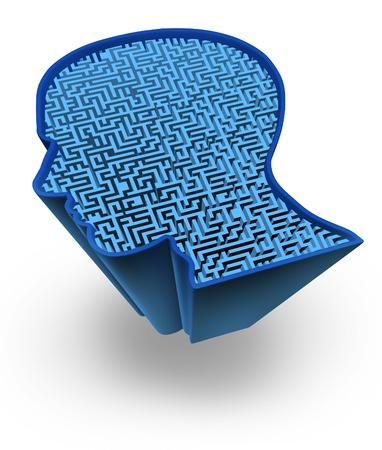 cognicion: Cerebro humano y el rompecabezas de inteligencia con un laberinto azul brillante y el laberinto en forma de una cabeza humana como s�mbolo de la complejidad del pensamiento del cerebro como un problema dif�cil de resolver por los m�dicos.