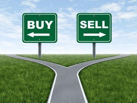 perdidas y ganancias: Comprar y vender cruces decisi�n dilema de la inversi�n financiera con un corredor de bolsa asesor de inversiones y un s�mbolo de tomar decisiones dif�ciles para la utilidad o p�rdida en las finanzas y los negocios de ahorros en el futuro. Foto de archivo