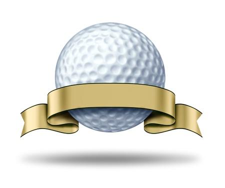 pelota de golf: Golf Premio con la etiqueta de oro blanco que muestra un torneo de golf el s�mbolo representado por el campe�n de una pelota de golf blanca y cinta de oro como un concepto de jugador de golf competic�n deportiva de ganar y la actividad de campo de golf de juego.