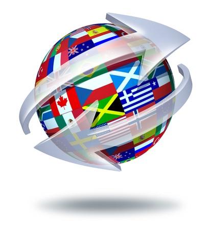 INTERNATIONAL BUSINESS: Mundo de las comunicaciones símbolo y concepto global de conexiones internacionales con las banderas del mundo con dos flechas curvas va alrededor de la esfera como un intercambio social y un icono del comercio de importación y exportación de bienes y contenidos de los medios digitales. Foto de archivo