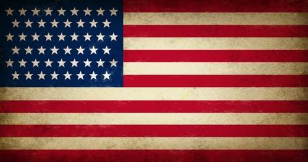 banderas america: Grunge bandera de EE.UU. como un viejo s�mbolo de la vendimia de Am�rica del patriotismo y la cultura en una antigua textura de los Estados Unidos de gobierno de Estados Unidos y el icono de las elecciones creada para apoyar la constituci�n y el proyecto de ley de las leyes de derechos. Foto de archivo