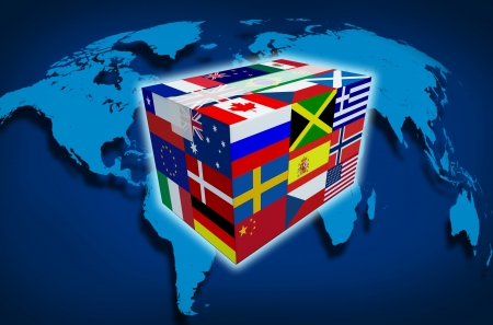 comercio: Global Cargo y env�o de mensajer�a y de transporte en todo el mundo la entrega de mercanc�as internacionales con un mapa del mundo de las ventas por Internet y el transporte de carga como una caja con banderas del mundo y cierre con cinta adhesiva con la sombra sobre un fondo blanco.
