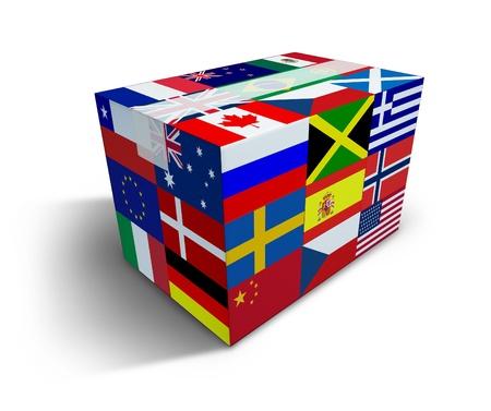 Global Shipping en wereldwijde levering transport koerier van het internationale goederen uit de verkoop via internet en vrachtvervoer als een box met vlaggen uit de hele wereld en tape afgesloten met schaduw op een witte achtergrond. Stockfoto
