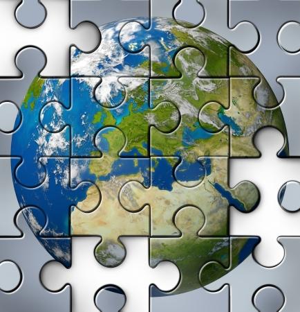entreprise puzzle: Europ�enne avec la crise financi�re Ityaly Gr�ce et l'Espagne Portugal France et d'autres pays d'Europe qui sont confront�s � des probl�mes de la dette et les d�fis budg�taires en raison des conditions �conomiques qui influent sur La nouvelle monnaie Euro comme un puzzle bris�.