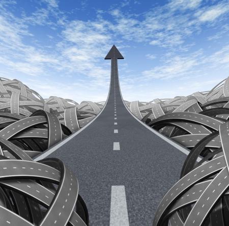 Succes pad met een weg naar financieel succes weg naar de top en bewegen op en breken vrij van de verwarring van verwarde wegen met een duidelijke ontsnapping leidt tot een rechte pijl naar rijkdom en kansen. Stockfoto