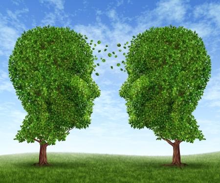 Cultivons le partenariat et le travail d'équipe de communication dans les affaires avec deux arbres en forme de têtes humaines sur un ciel bleu avec des feuilles de plus en plus l'échange d'un visage à l'autre comme un concept de coopération
