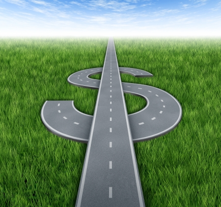 dinero: Camino a la riqueza como awinning concepto financiero de ganar dinero y acheiving �xito empresarial con los caminos y carreteras en la forma de un signo de d�lar en la hierba verde y el cielo de fondo Foto de archivo
