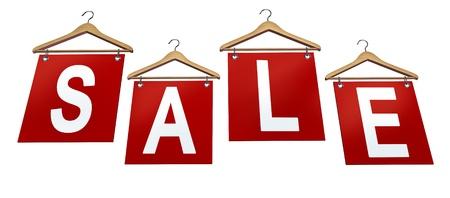 Kleding koop bord met de klassieke houten kleerhangers en grote rode bannders met reclame en marketing communicatie voor de consument om te kopen in een winkel aan zakelijke en financiële succes