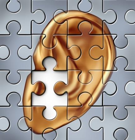 physical exam: Compromissione dell'udito dall'orecchio umano e simbolo che rappresenta una condizione medica ascolto che si traduce in una sordit� Archivio Fotografico
