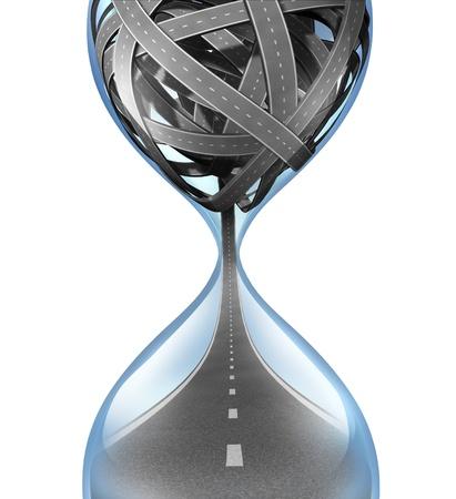 voyage: Voyage de temps et le concept de délai de livraison avec transport routes enchevêtrées dans un sablier et une route unique débordant du fond comme un symbole de stress voyager aux heures de pointe