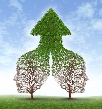 Grandir ensemble partenariat avec deux arbres en forme d'hommes d'affaires de l'homme dirige la fusion comme l'une de former une équipe efficace résultant dans le cul de la croissance fertile d'une flèche pointant vers le haut feuille Banque d'images - 14837711