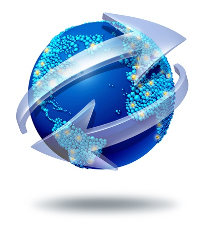 flechas curvas: Comunicaciones s�mbolo global y concepto conexiones con un globo azul internacional del mundo con dos flechas curvas en torno a una gran esfera con peque�as esferas formadas como los pa�ses como un intercambio social y el icono del comercio de importaci�n y exportaci�n Foto de archivo