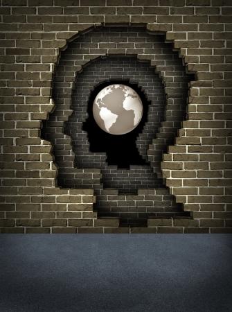 breaking through: Romper obst�culos para el �xito con paredes de ladrillo rotos en la forma de una cabeza humana que lleva al globo de la tierra como un concepto de negocio y la vida de logros y objetivos de carrera y centrarse en las aspiraciones