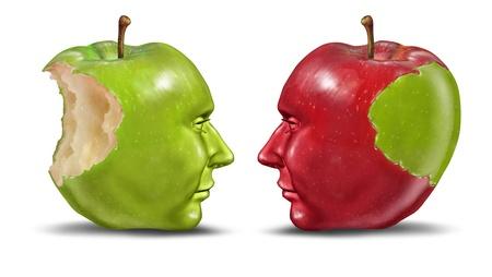 generosity: La enseñanza de un concepto de educación de los estudiantes con las manzanas verdes y rojas con forma de cabezas humanas como el intercambio de conocimientos y la habilidad de maestro a aprendiz en un fondo blanco o la idea del robo de identidad