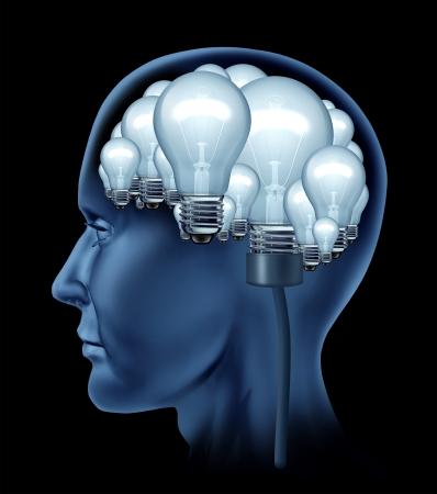 cognicion: Cerebro creativo humano con un perfil lateral de una persona con el cerebro hecho de un grupo de brillantes bombillas iluminadas como un concepto de la mente creativa b�squeda de soluciones y la creatividad en la vida y los negocios