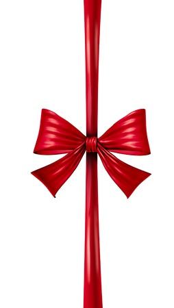 composition vertical: Nastro di seta rosso e fiocco in una composizione verticale, come decorazione stagionale per regali nel corso di una celebrazione, come compleanni e anniversari di Natale o San Valentino su uno sfondo bianco Archivio Fotografico
