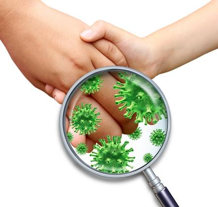 Infección por virus contagioso manos de los niños con la celebración y tocando la propagación de gérmenes y bacterias infecciosas peligrosas con una lupa close up sobre un fondo blanco