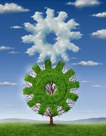 Cloud industrie technologie en business concept met een wolken in de vorm van een tandwiel en een groeiende boom de vorm van een radertje komen met elkaar verbonden als een team te werken als een partnerschap voor succes in informatiebeheer Stockfoto