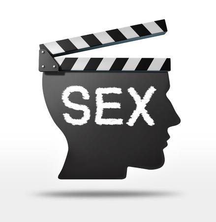 educacion sexual: Películas de sexo y el concepto de película erótica con un equipo de tablilla de la película en forma de una cabeza humana que representa a la industria del cine entertaimment sexual