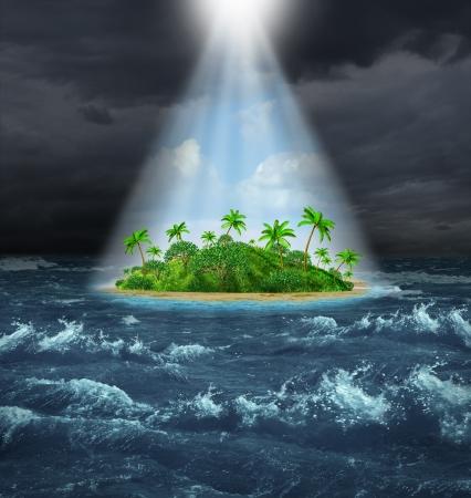 楽観: シャイニング美しい熱帯の島、約束の地のオアシス ビジョンとして上記からの輝く光と対照的で暗い嵐海洋背景を持つ希望および抱負の成功の概念