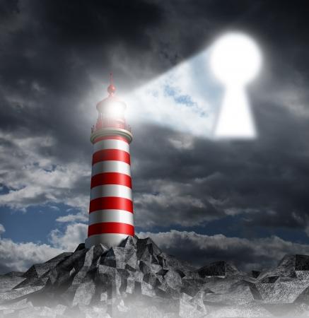 희망과 해결책을 찾는의 상징으로 폭풍우 어두운 배경 하늘에 열쇠 구멍으로 모양의 불빛을 기어 오르는 등 대 비콘 타워 지침 키 비즈니스 개념