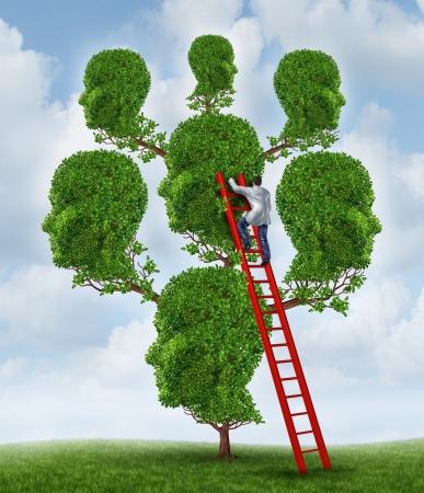 arbol genealógico: La terapia familiar y el concepto de atención de salud de grupo con un árbol en forma de un grupo de cabezas humanas con un psicólogo médico o psiquiatra en una escalera de la fijación problemas de relación