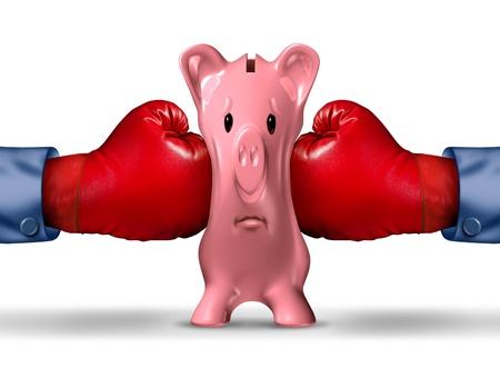 Pression d'argent des finances et de l'argent concept d'entreprise crise avec deux gants de boxe rouges de mettre la pression sur une tirelire rose sous une pression de crise financière comme une icône de l'épargne et des problèmes budgétaires Banque d'images