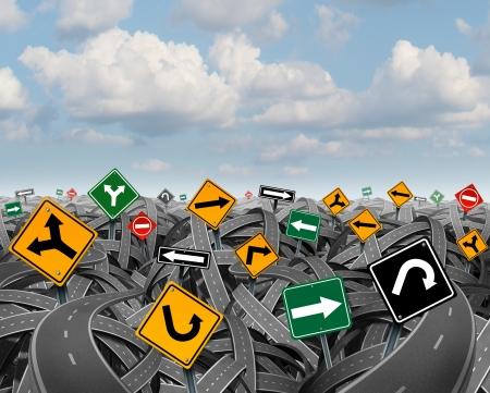 Incertidumbre dirección con un paisaje de caminos enredados confusas y carreteras y un grupo de señales de tráfico que compiten por la influencia como un símbolo de los desafíos de la planificación de una estrategia para el éxito Foto de archivo