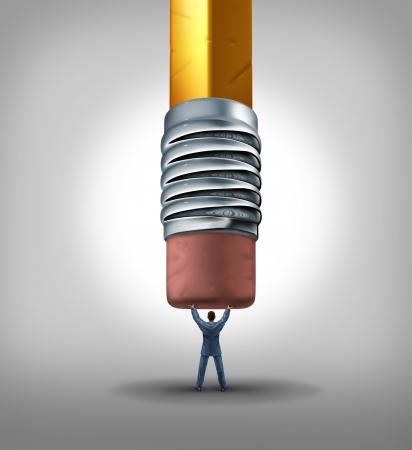 seguridad en el trabajo: Seguridad en el empleo y las cuestiones laborales de negocio como empresario sosteniendo y detenci�n de un borrador de l�piz gigante de la eliminaci�n de su carrera trabajando como un s�mbolo de bloqueo terminaci�n trabajo de la empresa o la p�rdida de un contrato