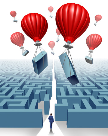 laberinto: Eliminar el concepto de negocio de obstáculos de la libertad y el pensamiento fuera de la caja como una metáfora para el liderazgo y la gestión de soluciones innovadoras con un grupo de globos de aire rojo elevación partes de un laberinto o el laberinto para superar la adversidad y abrir un camino fo Foto de archivo
