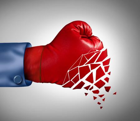 competitividad: Error concepto de negocio de estrategia con un guante de boxeo rojo cayendo a pedazos como una metáfora de la pérdida del espíritu de lucha y el colapso del símbolo de la competitividad